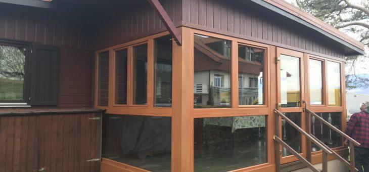 Pose de canexel horizontal plus fenêtre PVC